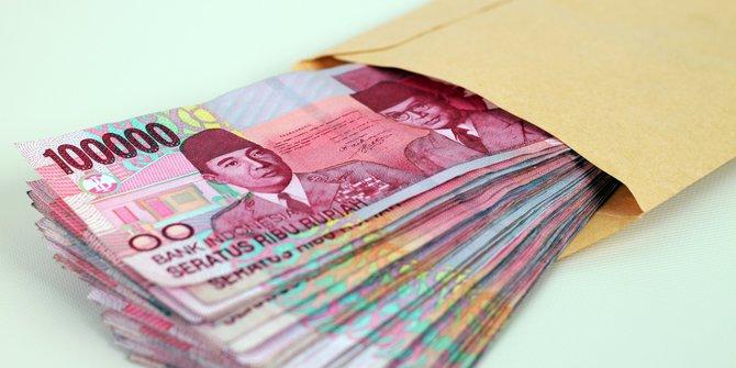 10 Orang yang Menemukan Uang Banyak dan Mengembalikannya