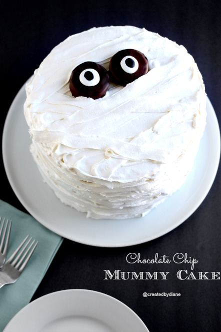 Chocolate Chip Mummy Cake for Halloween, Halloween Cake designs,  Recipes, ideas about Halloween cakes models