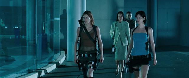 Die Heldinnen des Films: Milla Jovovich, Sienna Guillory und Sandrine Holt