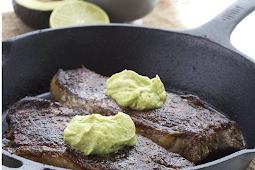 Chili Rubbed Keto Steak With Avocado Crema