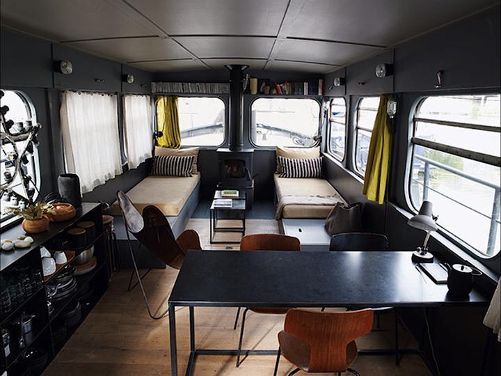 le kg room paris vu d 39 une p niche. Black Bedroom Furniture Sets. Home Design Ideas