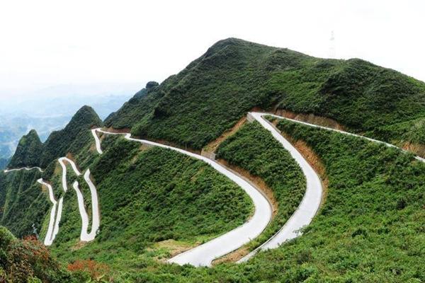 ถนนสายคดเคี้ยว (Winding Mountain Road) @ China News Service