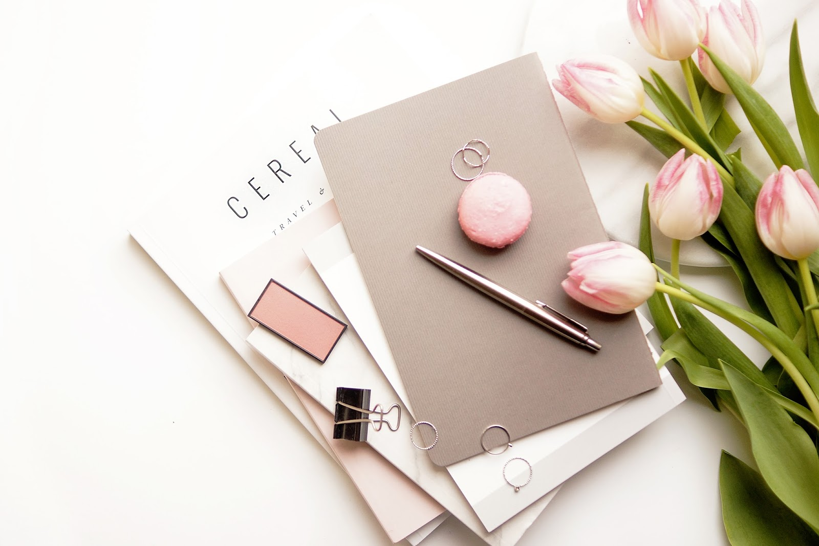 barely-there-beauty-blog-lifestyle-photography-flatlay-happiness-wellness-wellbeing-tips