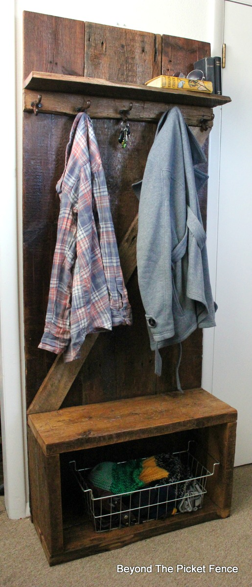 hall tree, rustic, barnwood, reclaimed wood, hooks, organization, bench, shelf, http://bec4-beyondthepicketfence.blogspot.com/2016/03/rustic-barnwood-hall-tree.html
