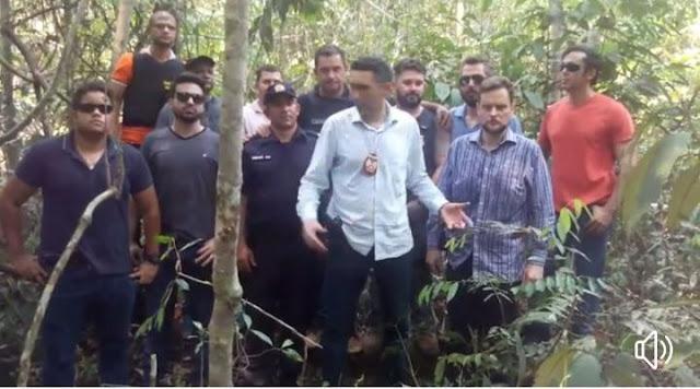 Urgente! Corpo de homem suspeito de assassinar mãe e filhos é encontrado agora dependurado a uma árvore [VÍDEO]