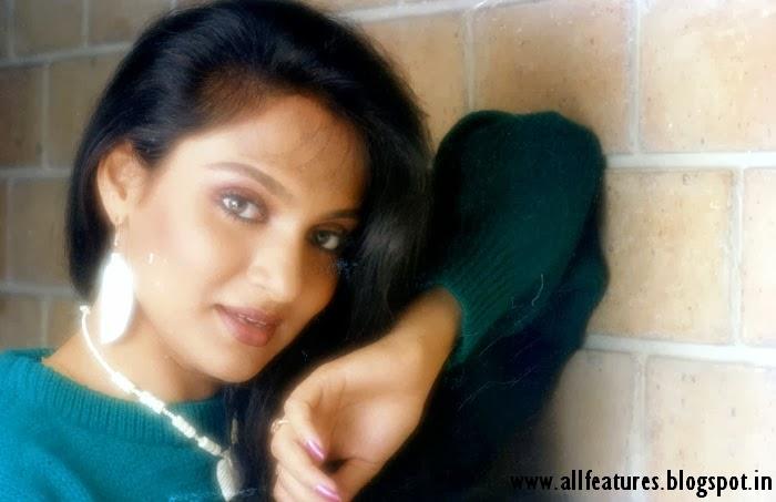 Actress madhavi latha wiki : Apparitional film