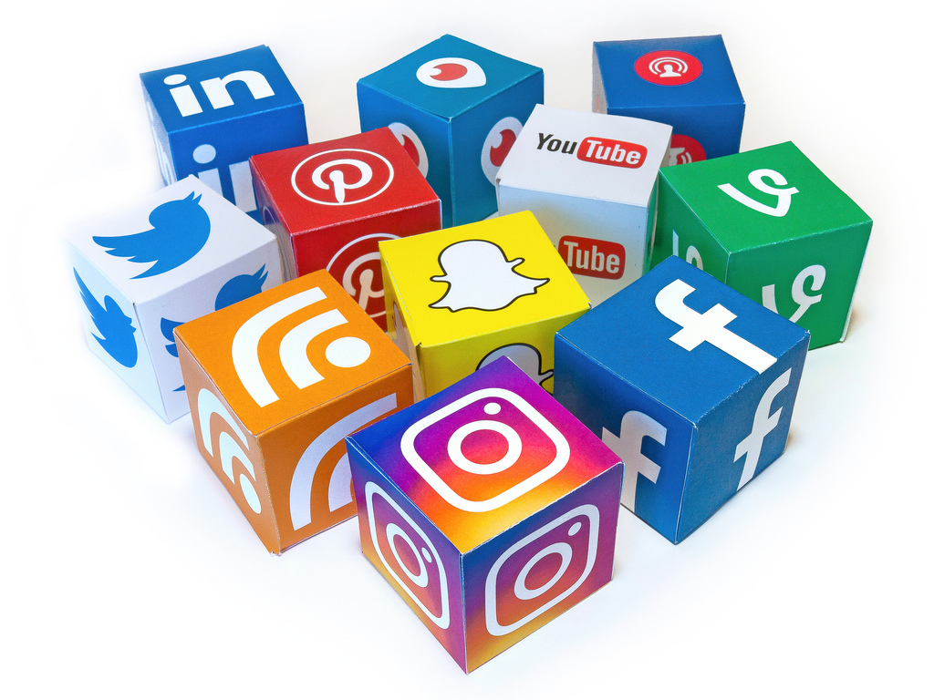 how to get rid of social media buttons