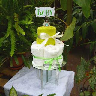 Alquiler renta de bases pedestal de vidrio espejo y cristales brillo para elegantes pasteles de boda  en guatemala