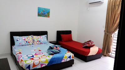 Bilik Tidur Utama Homestay di NusaJaya Johor Bahru
