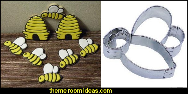 BUMBLE BEE Cookie Cutter  bee themed party - bumble bee decorations - Bumble Bee Party Supplies - bumble bee themed party - Pooh themed birthday party - spring themed party - bee themed party decorations - bee themed table decorations - winnie the pooh party decorations - Bumblebee Balloon -  bumble bee costumes