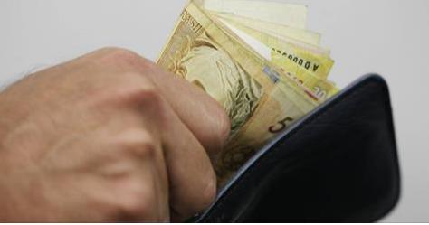 Temer assina decreto que reajusta salário mínimo para R$ 937 em 2017