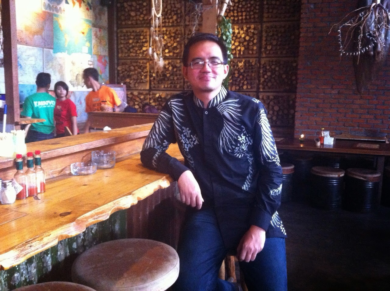 Seragam Batik Solo Kalinggo Batik motif muman batik tulis muhamad lukman