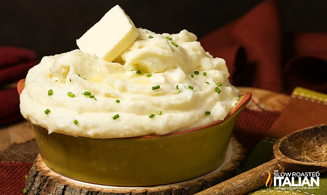http://theslowroasteditalian-printablerecipe.blogspot.com/2014/11/best-ever-mashed-potatoes.html