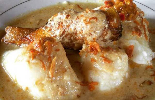 Kuliner khas Kalimantan Selatan tiada duanya. Sekali saja orang mencicipi kuliner di Pulau Kalimantan ini, biasanya bikin orang langsung jatuh cinta dan ketagihan. Tidak percaya? coba saja.