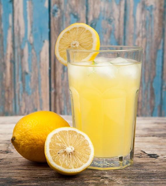 Manfaat Meminum Air Lemon Di Pagi Hari