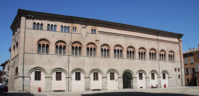 Palazzo-Vescovile-Parma