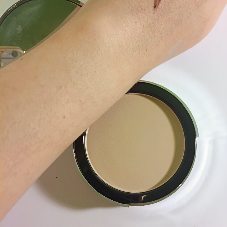 e.l.f. Beautifully Bare Sheer Tint Finishing Powder swatch