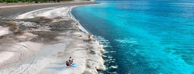 شواطئ مدينة أنطاليا التركية الذهبية التي ابهرت العالم