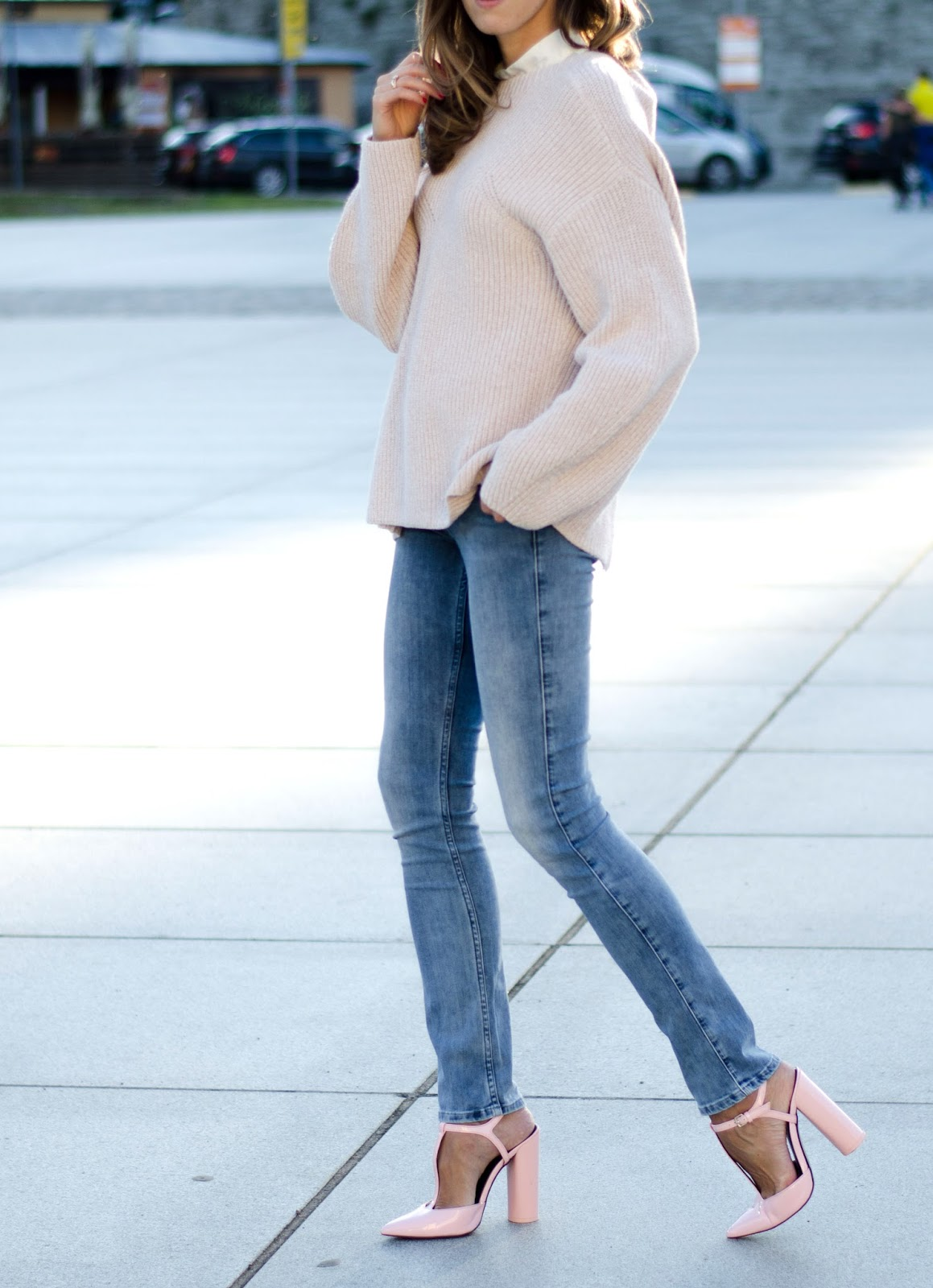 fall 2016 trend pink sweater jeans outfit