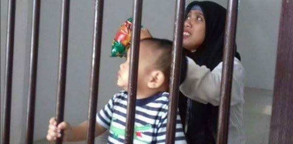 Seorang Bayi 10 Bulan Terpaksa Ikut Ibunya Dipenjara.