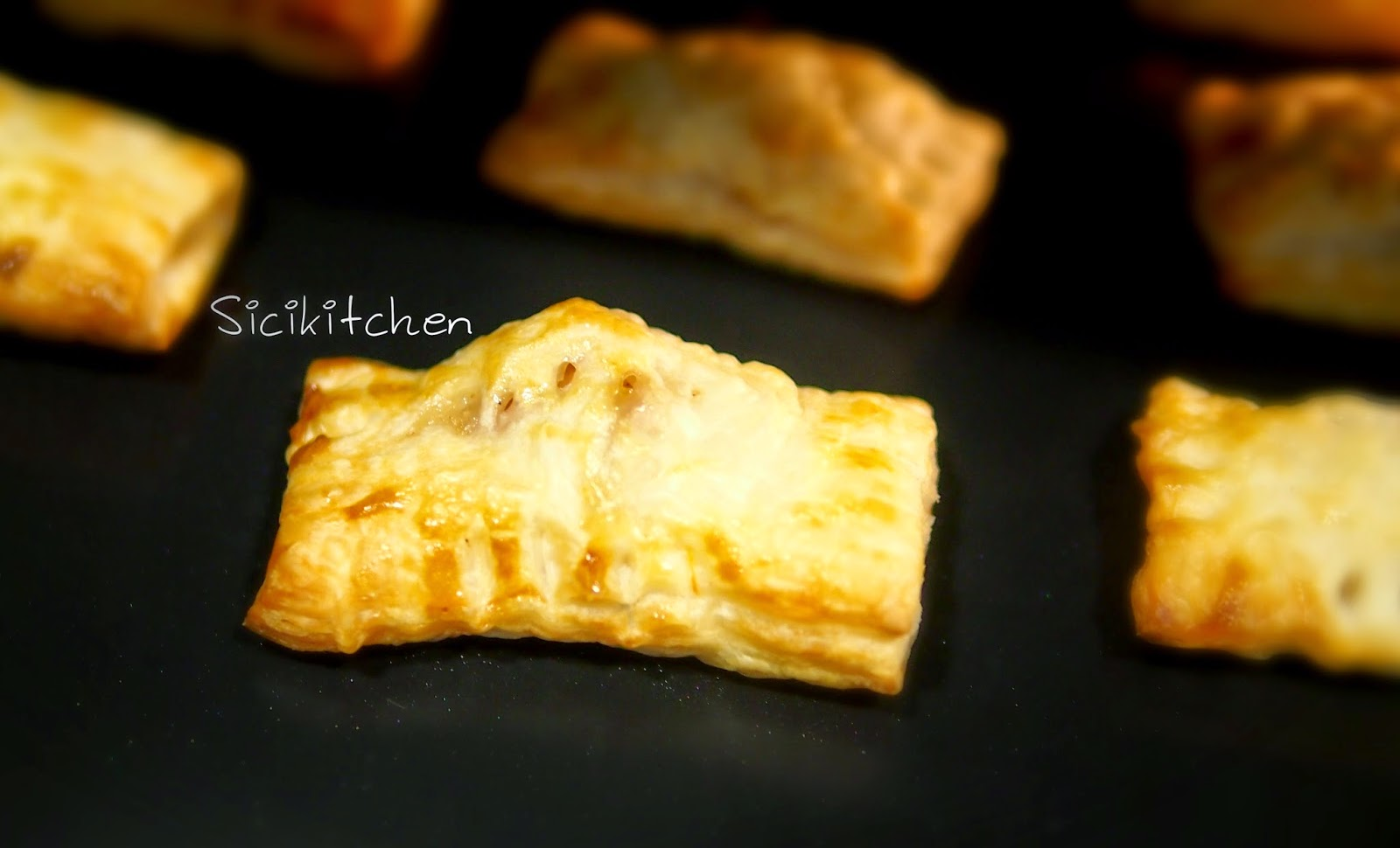 Sicikitchen: 【20分鐘美味下午茶食譜】迷你一口蘋果酥-附食譜