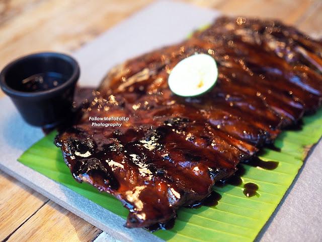 NAUGHTY NURI'S KUALA LUMPUR 🐷🐷🐷 Porky Balinese Restaurant With Killer Ribs & Twisted Martinis 🐷🐷🐷