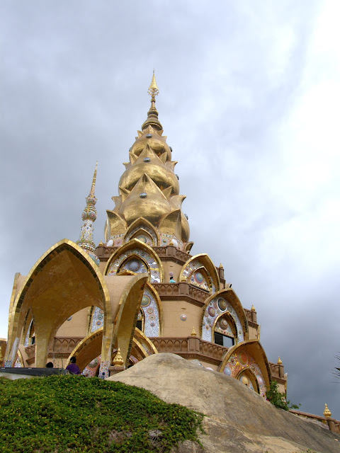 Visiting the Wat Phasorn Kaew in Khao Kho - Thailand