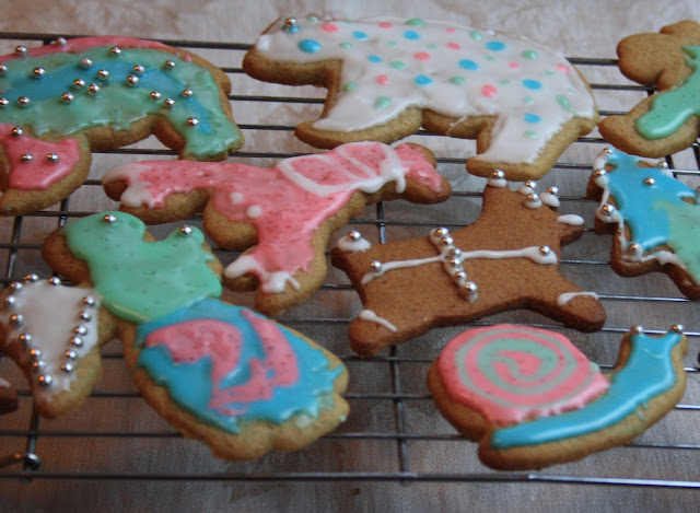 Old fashioned sugar cookies for decorating with kids