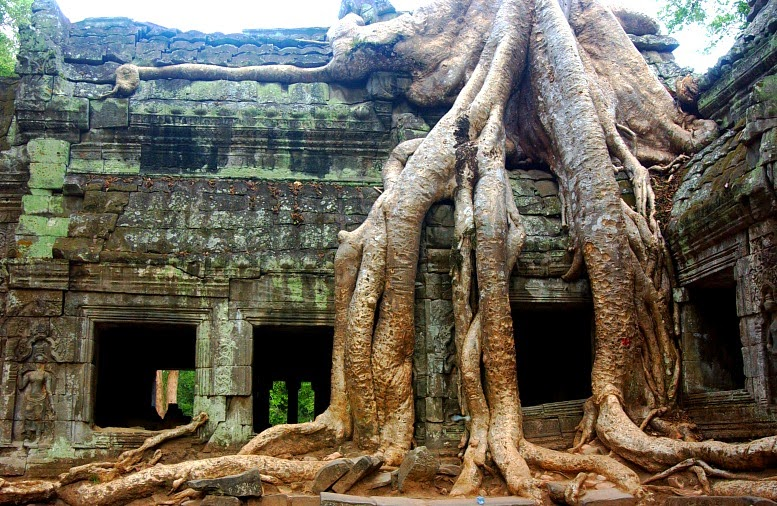 There Are Two Great Comple Of Ancient Temples In Southeast Asia One At Bagan Burma The Other Angkor Cambodia