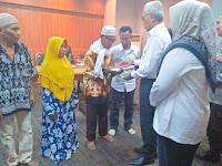<b>Di Momen HUT Wakil Bupati Bima, Diserahkan Bantuan Sosial Rp292,5 juta</b>