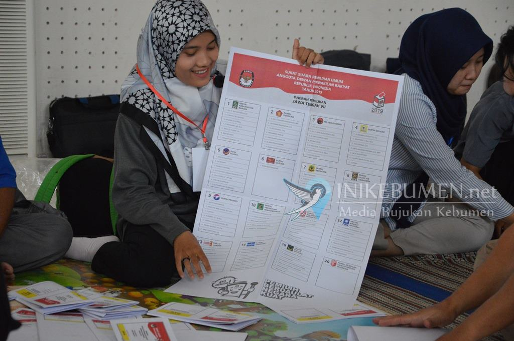 Ini Besaran Honor Petugas Pelipat Surat Suara Pemilu di Kebumen