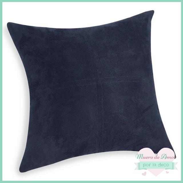 decorar con cojín azul oscuro