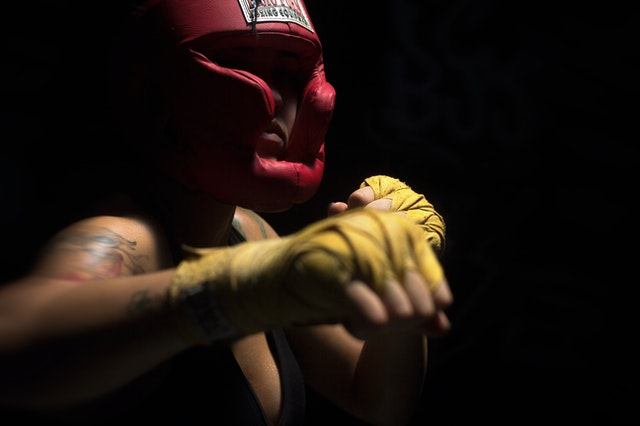 Hoe is boksen door de geschiedenis heen geëvolueerd en waar is het ontstaan?