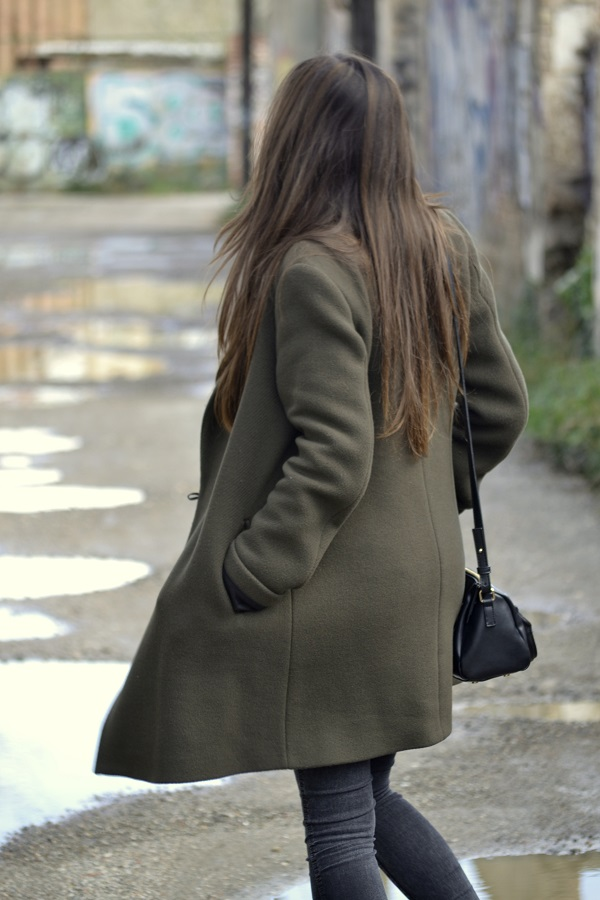 oversized coat, Adidas Stan Smith, Lara Pasarin