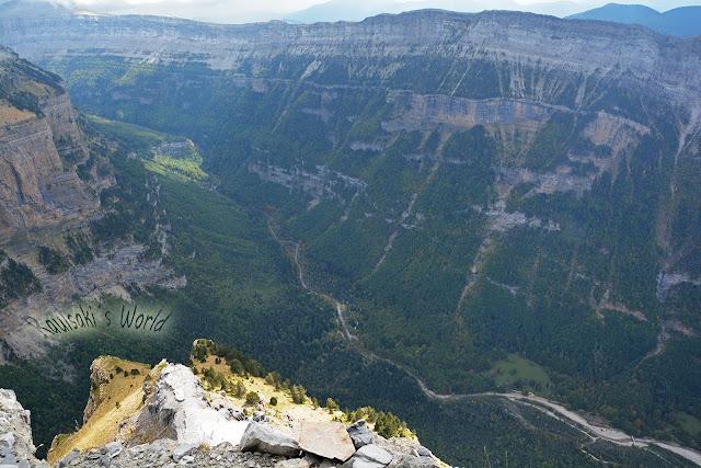Valle de Ordesa desde el aire