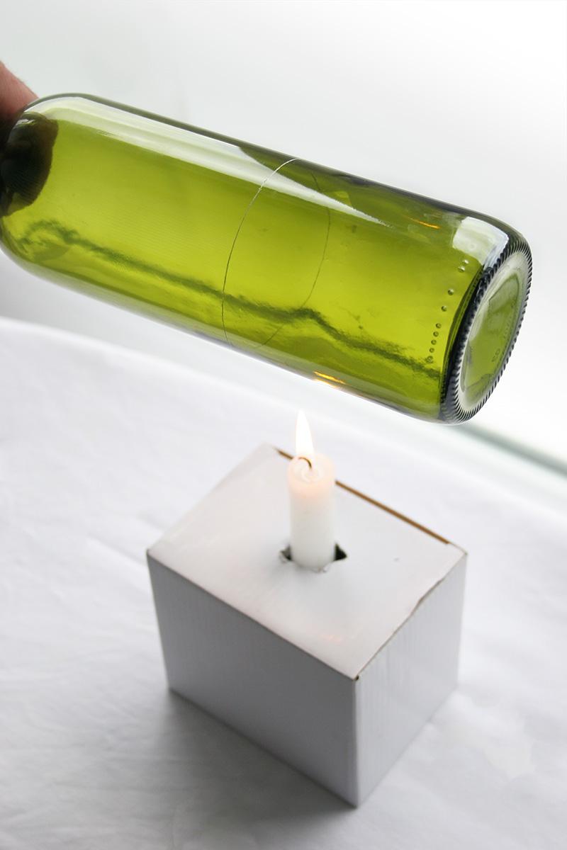 Decorar en familia_Reciclar vidrio: Cómo cortar botellas de cristal6
