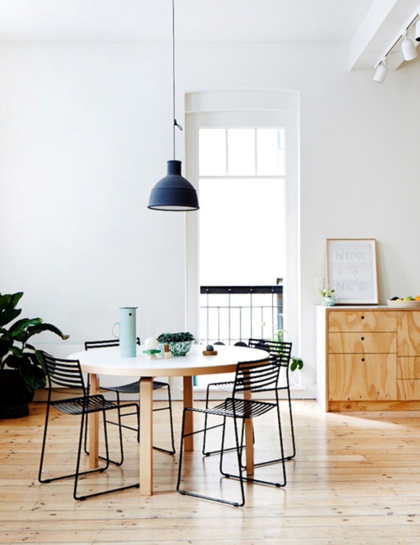 Casa e arredamento il tavolo rotondo vita su marte for Casa e arredamento