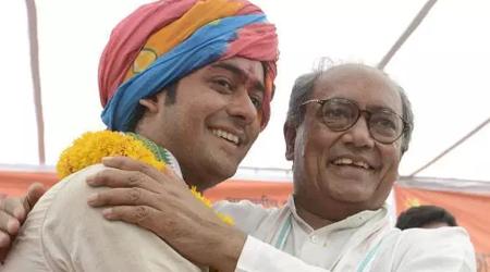दिग्विजय सिंह 70 की उम्र में भी नायब पारी खेल रहे हैं: जयवर्धन सिंह ने कहा