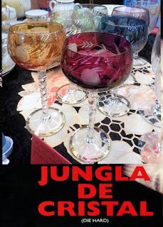 cartel de la jungla de cristal con juego de copas