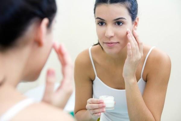 आपकी सुन्दरता को बढाती है नाईट क्रीम Night Cream Tips For Glowing Skin In Hindi