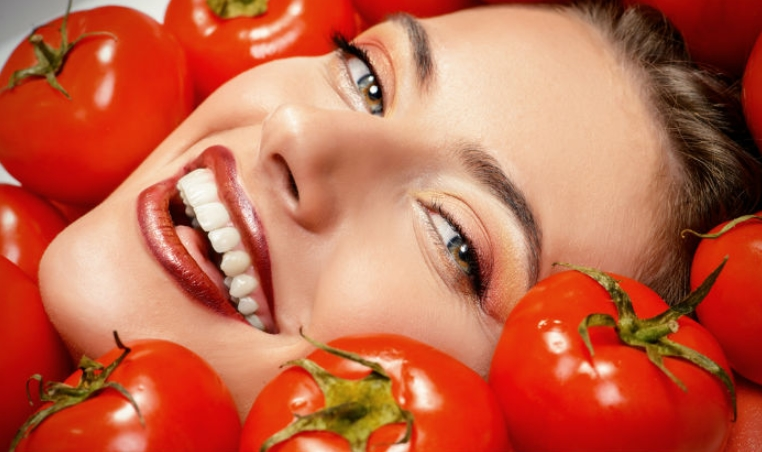 Manfaat serta Cara Membuat Masker Tomat Untuk Kecantikan Kulit Wajah