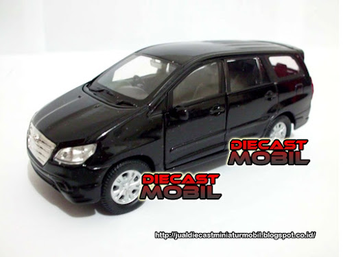 Toyota Kijang Innova Black