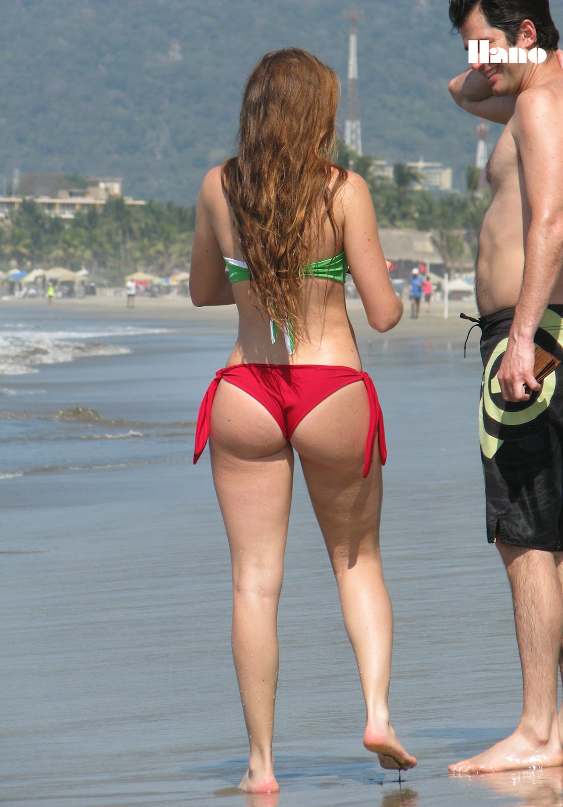 Cute Girl In Bikini Thong With Amazing Ass-2056