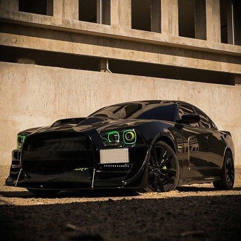 Severe predatory Dodge Charger SRT8