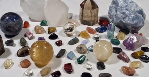 Cuántas veces paseando nos hemos fijado en una piedra  Algunas veces son  piedras cristalinas y otras b12e1a983c8