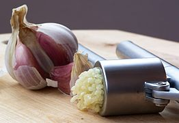 http://www.infomaza.com/2018/01/garlic-plant-good-bad-ugly-all-you-