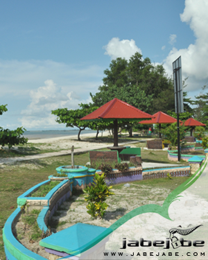 Pantai Nyiur Melambai Belitung Timur