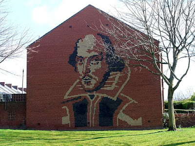Shakespeare on a house wall, Heaton, Newcastle, taken by Andrew Curtis for the Geograph project (CC BY-SA 2.0)