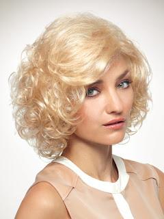 Gaya Rambut Untuk Wajah Bulat: Vanilla Swirl