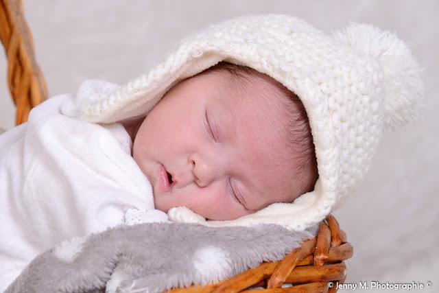 portraut bébé avec bonnet en laine